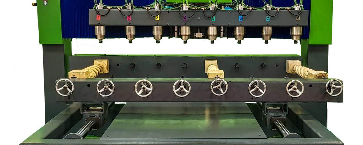 Strung CNC in 8 Axe pentru Sculptura lemn