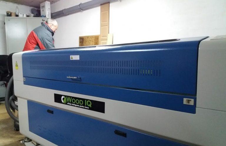 Primul laser CNC Wood IQ