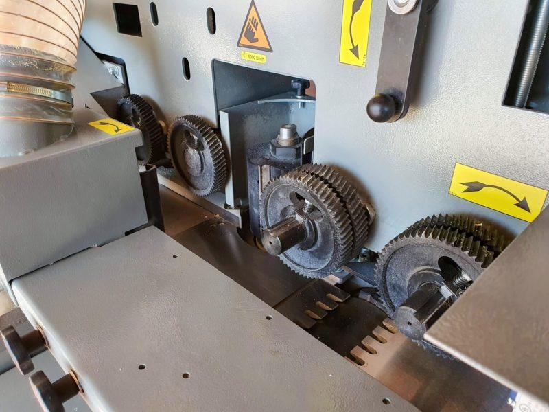 Masina de prelucrat pe 4 fete PR 4 180 Wood IQ role de avans
