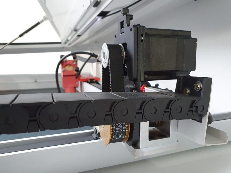 laser rubiq cnc seria pro servomotoare hybrid 1