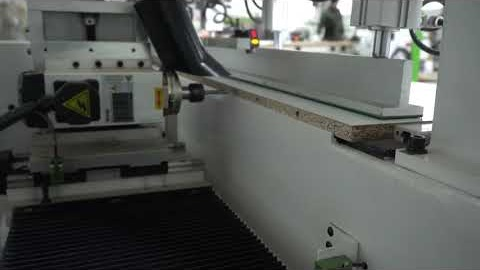 masina automata de gaurit in cant video thumbnail